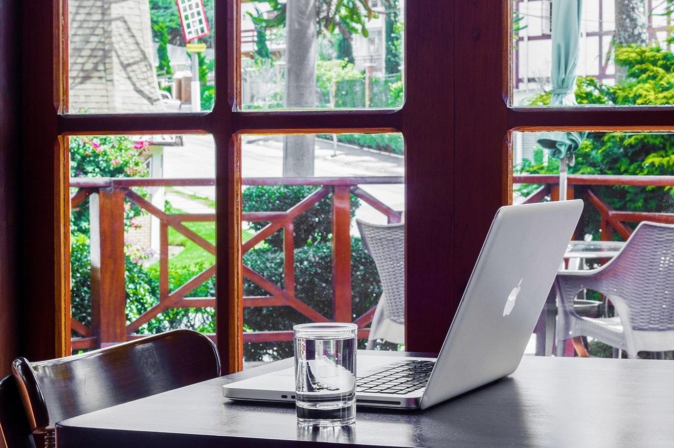 home-office-em-campos-do-jordao.jpg